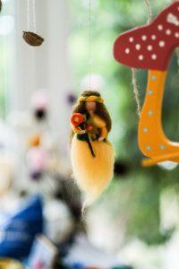 Waldorfkindergarten Ismaning Impressionen Bastelkreis Blumenfee
